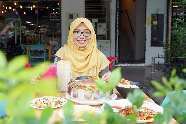 Pelbagai Menu Sedap Di IndoBowl Cafe