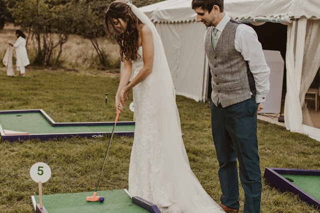Wedding crazy golf. Photo by Putter Madness