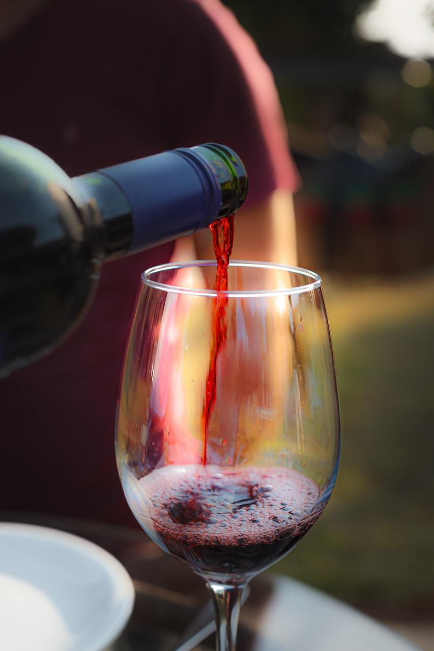 Rancho Canabrava promove degustação de vinhos artesanais ao ar livre