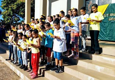 Coral do CEMIC apresenta a música Trem Bala