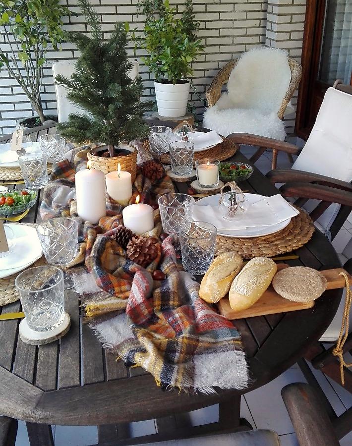 Mesa de invierno en la terraza