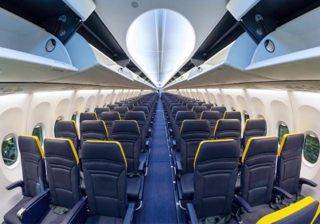 Boeing 737-800 interior