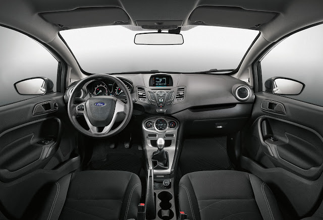 Ford Fiesta Sedan 2017 SEL MT - interior