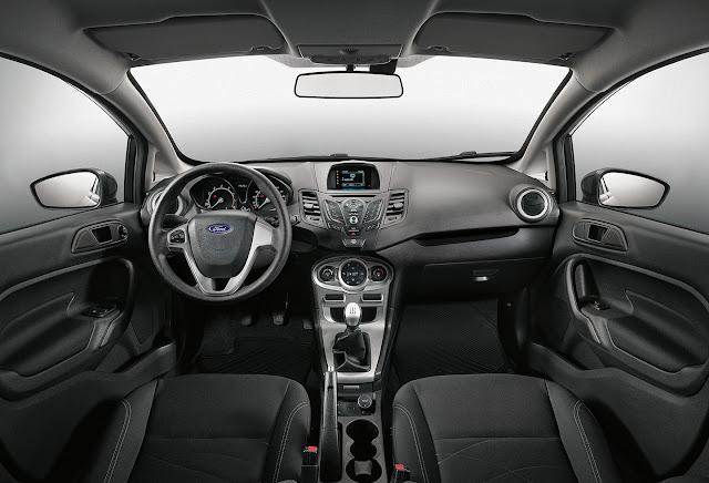 Ford Fiesta Sedan 2017 SEL MT - interior