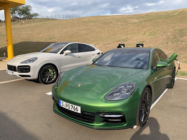 Porsche instala 2 carregadores elétricos no Autódromo Velocitta