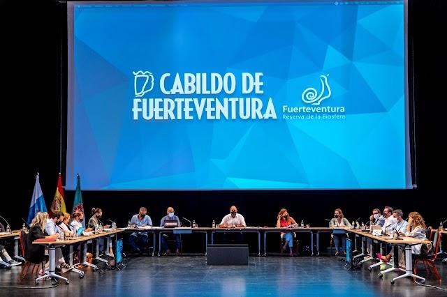Pleno del Cabildo de Fuerteventura  aprueba por unanimidad una moción en defensa del Régimen Económico y Fiscal de Canarias (REF) y el Estatuto de Autonomía de Canarias