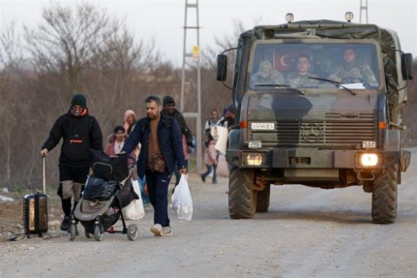 Ρωσία: Η Τουρκία «σπρώχνει» 130.000 πρόσφυγες από τη Συρία στην Ελλάδα