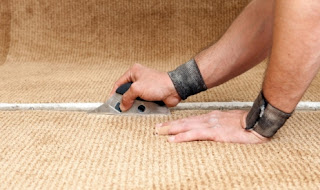 Carpet Stretching – All You Need to Know (To Not Do It Yourself)
