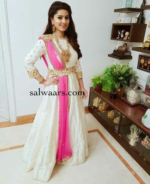 Sneha in White Anarkali Floor Length Salwar
