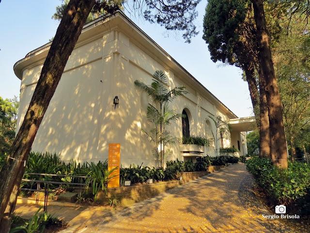 Vista lateral do Casarão da Fundação Ema Klabin - Jardim Europa - São Paulo