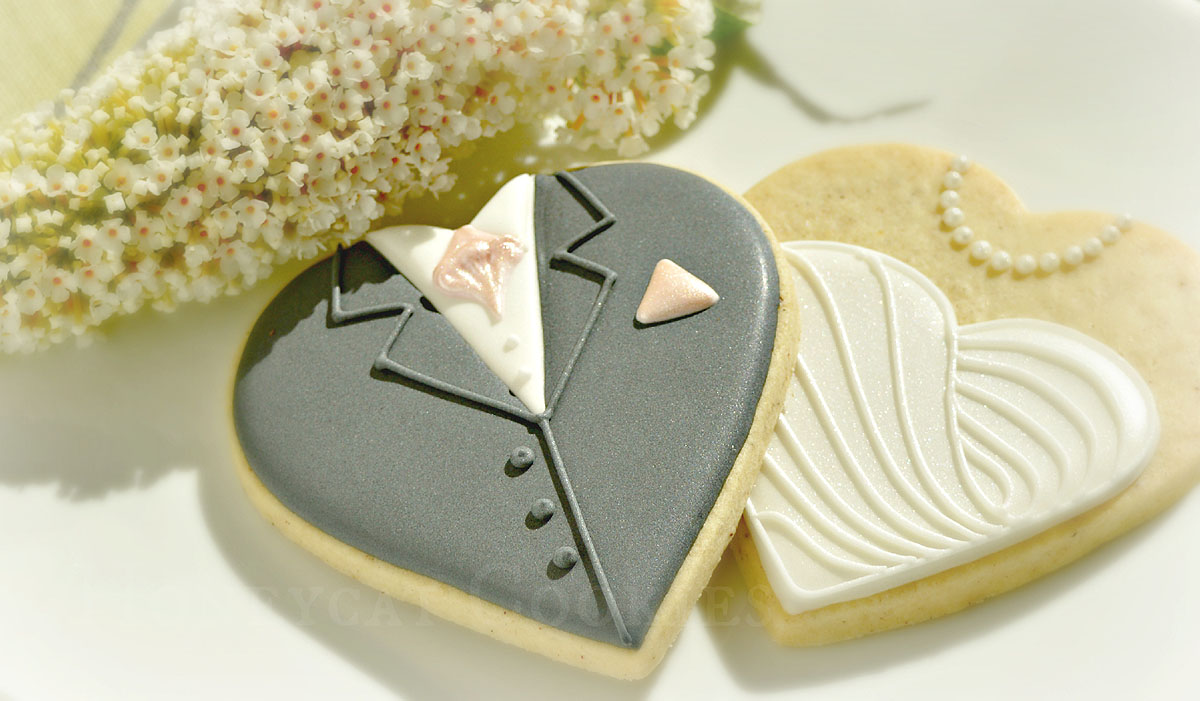 Bride and Groom heart shaped cookies with flowers for a wedding, cookies and photo by Honeycat Cookies