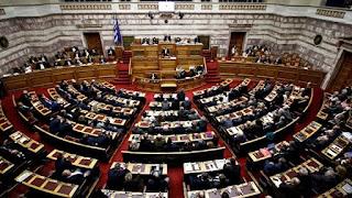 """Άγρια κόντρα Μπαλαούρα-Σταμάτη στη Βουλή για τα περί """"συναλλαγών"""" στο Σκοπιανό"""