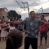 Moradores de Nova Iguaçu protestam contra as novas instalações da light; a maior voltagem ficou na parte de baixo dos postes e causou revolta; veja o vídeo