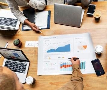 pelajari dan ketahui berbagai aspek pemasaran dan aspek keuangan perusahaan.