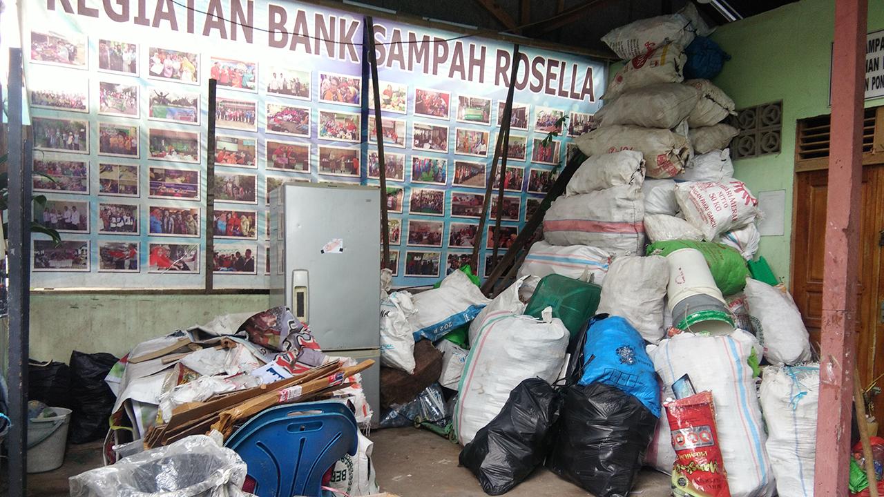 Bank sampah cara merubah sampah emnjadi emas