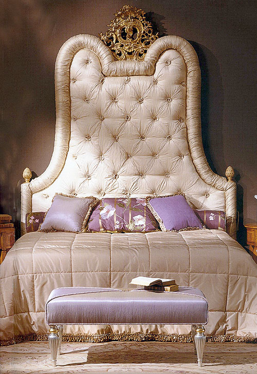 The Stitched Bed and Cream Chargers: Quilted Bed Head