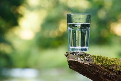 Luar Biasa! Ini Manfaat Minum Air Putih Sebelum Tidur