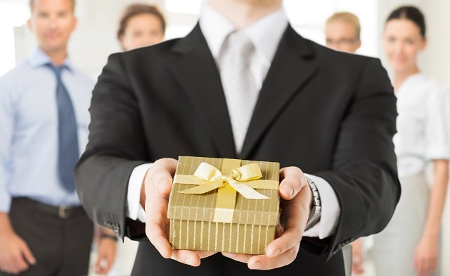 creative corporate gift ideas build professional relationships