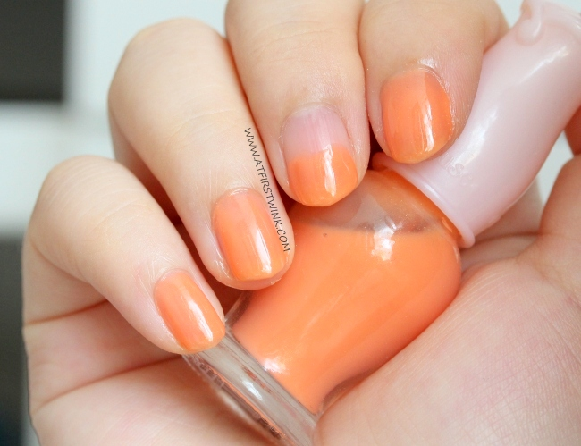 Etude House Petit Darling nail polish OR207 - Apricot Milk on nails