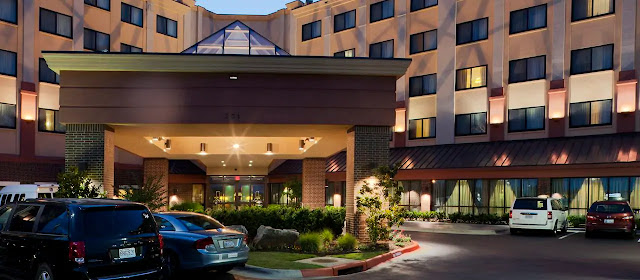 Get to work in Northwest Arkansas from DoubleTree Suites by Hilton Hotel Bentonville. Take advantage of the hotel's proximity to Walmart Stores headquarters and the Northwest Arkansas Regional Airport (XNA).