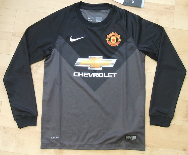 665e9fe1355 The new Manchester United 14-15 Goalkeeper Home Kit is all-green