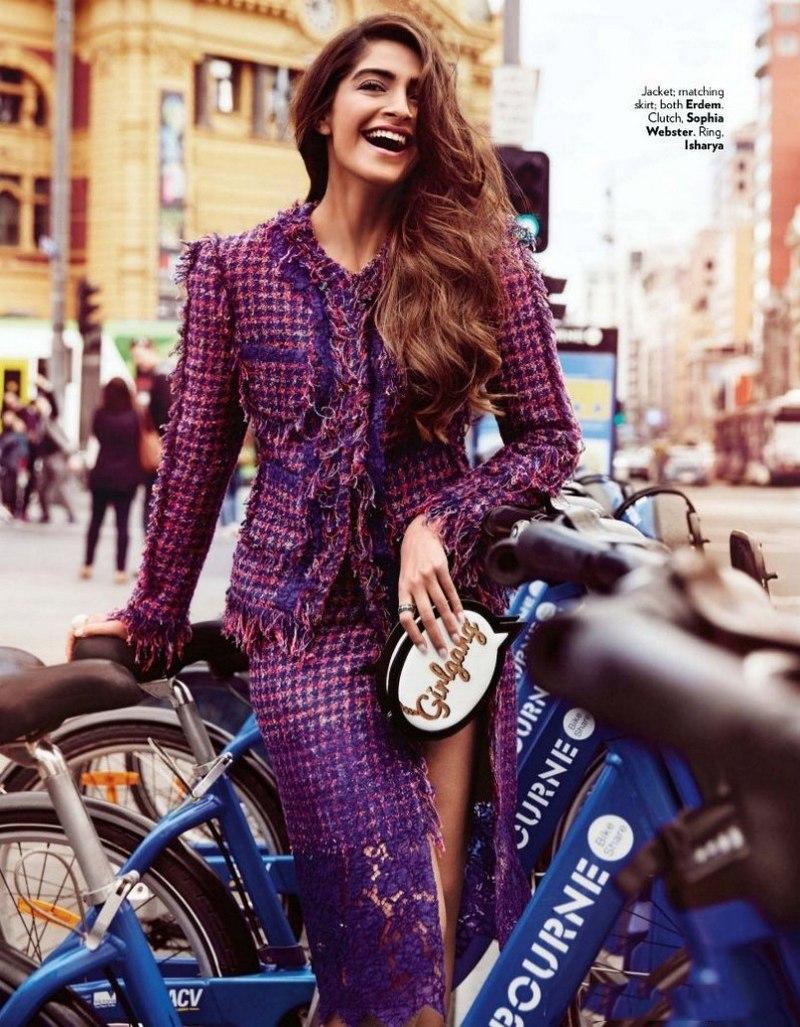 Sonam Kapoor Hot Looks Vivacious On Vogue Magazine -4541