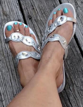 aquamarine toenails in sandles