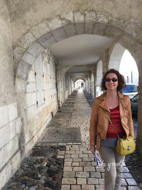 Un día en La Rochelle entre callejones y soportales