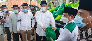 H Ahmad Fuadi Terima Bantuan Secara Simbolis Dari Ketum PKB Untuk Warga Total Persada