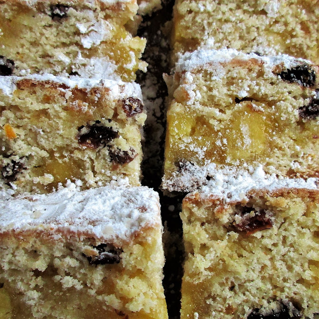 stollen, baking, cakes, recipes, alternative christmas cake, christmas, festive food, dan lepard, marzipan, almonds, party food, new year, happy new year, no yeast stollen, yeast free stollen, de tout coeur limousin, quark stollen, german baking, german cakes,