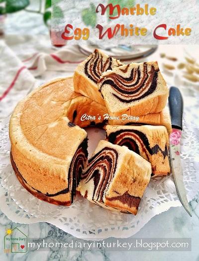 Egg White Marble Cake / Cake marmer putih telur   Çitra's Home Diary. #eggwhitecakerecipe #leftovereggwhiterecipe #cakeputihtelur #marblecake #cakemarmer #mermerkek #kektarifi #resepputihtelur #indonesisch #coffeecake