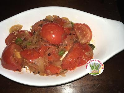 Tomato and onion bhujjia