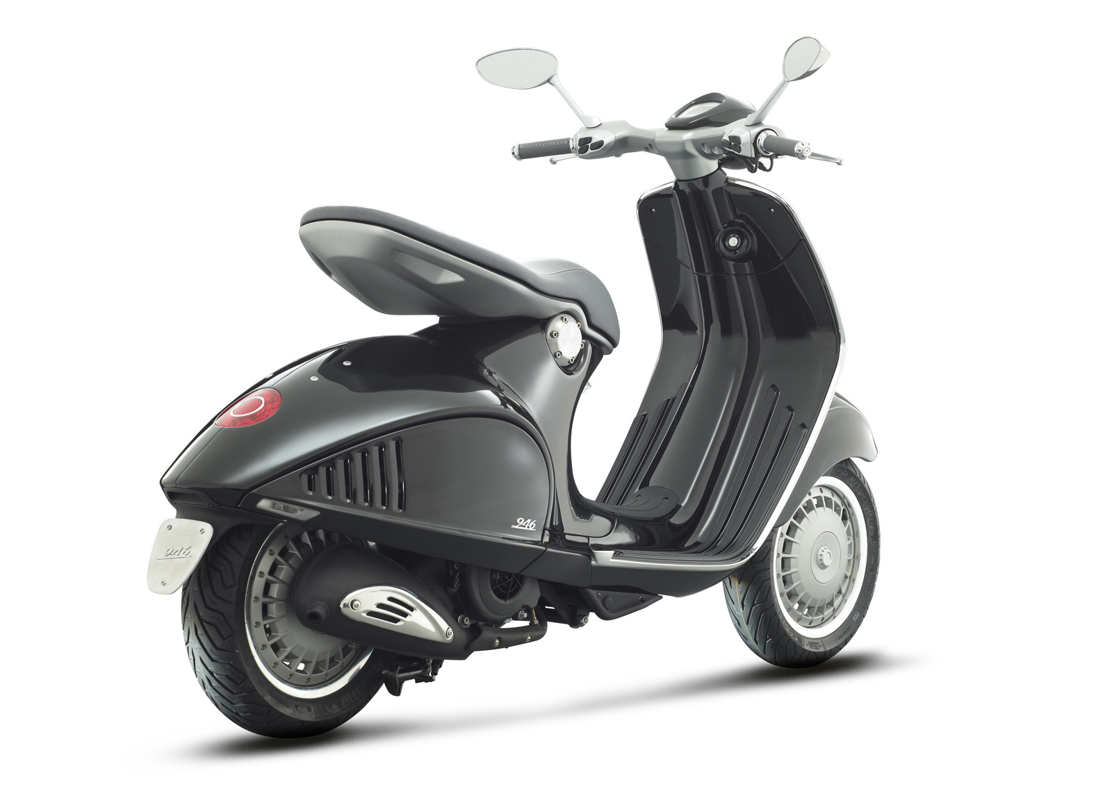 gallery.lkautomart: 2013 Piaggio Vespa 946 Automatic Scooter.