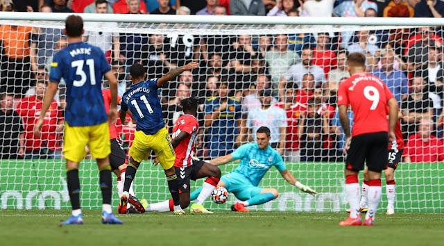 ملخص واهداف مباراة مانشستر يونايتد وساوثهامبتون (1-1) الدوري الانجليزي
