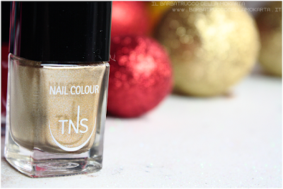 review  rosso oro best wishes TNS cosmetics nails  red gold Christmas