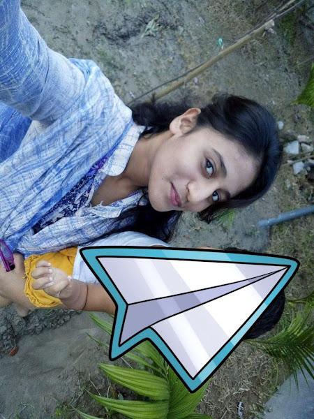 Sexy Desi Girl Selfie Pics