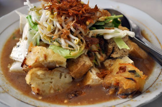 KULINER JOGJA - 101 Tempat Makan Enak di Yogyakarta