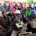 Kapolres Klaten AKBP Wiyono Eko Parsetyo Makan Bareng Bersama Tukang Becak.