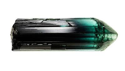 cristal de turmalina verdelita verde