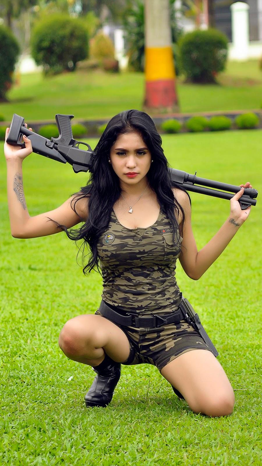 wallpaper terbaru Nadia Ervina Aka DJ Bibie Julius foto model tentara