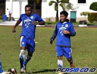 Persib Bandung Resmi Rekrut Patrich Wanggai dan Eka Ramdani