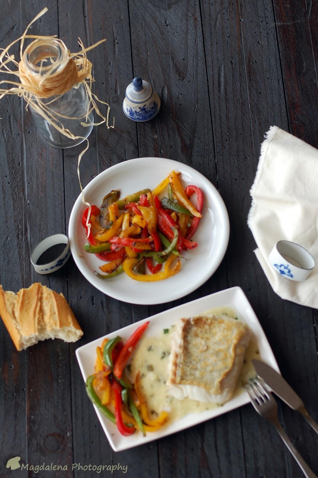 Lomos de bacalao con salsa marinera magdalena cocina y m s for Como cocinar lomos de bacalao