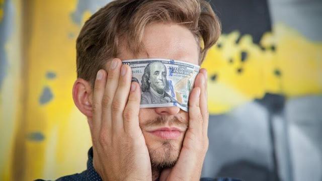 دراسة: العقل البشري يحب المعلومات الجديدة بنفس الطريقة التي يحب بها المال