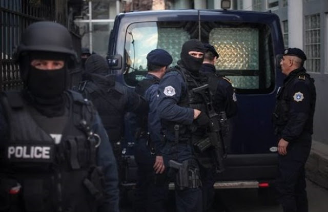 Three more police officers are arrested in North Kosovo