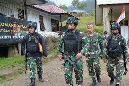 Izak Pangemanan  Kunjungi Prajurit di Nduga