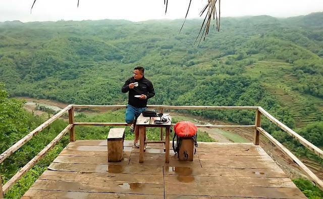 Wisata Bukit Mojo