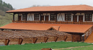 ремонт на покрив,поправка на покрив,майстори за ремонт на покрив,майстор на покриви-Строителен Лидер Варна