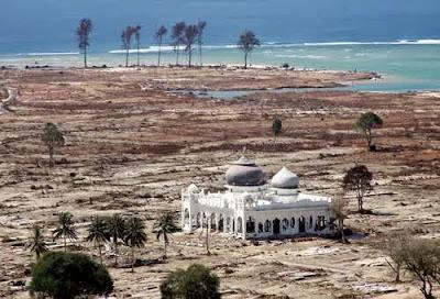 Mesjid Rahmatullah selamat tsunami