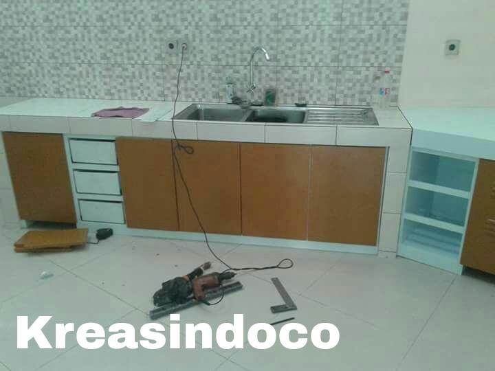 Daftar berbagai macam harga kitchen set aluminium for Harga kitchen set aluminium per meter