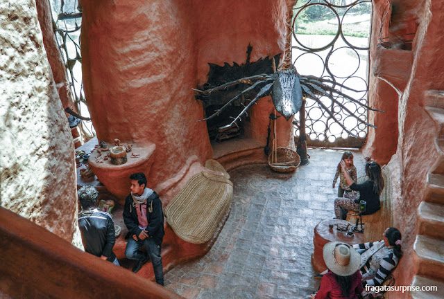 Sala de estar da Casa Terracota, em Villa de Leyva, Colômbia